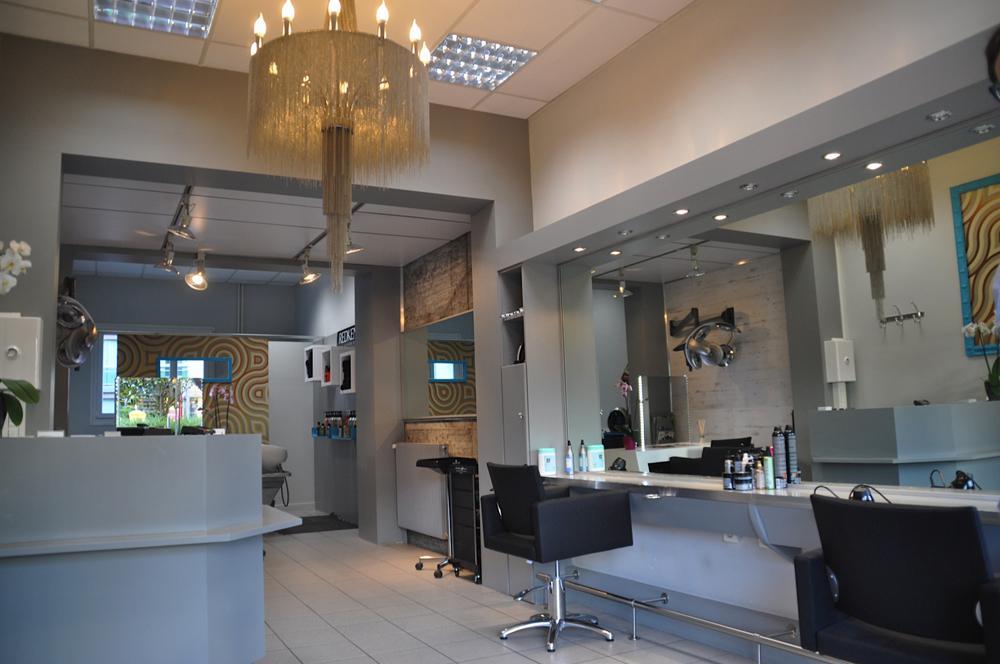 Image salon de coiffure homme for Salon de coiffure pour enfant